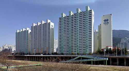 Housing (Busan, South Korea)