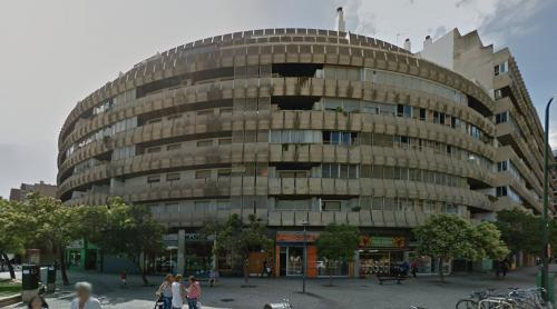 Mixed use building (Zaragoza, Spain)