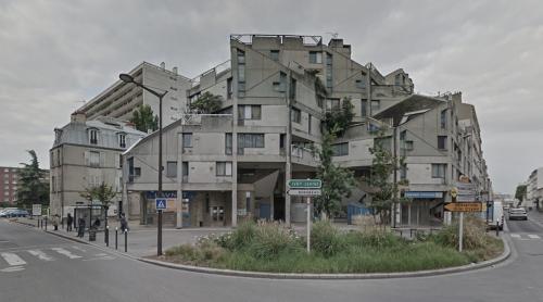 Housing (Ivry-sur-Seine, France)