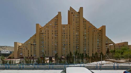 Edificio Montreal (Alicante, Spain)