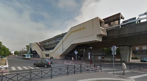 Neuilly-Plaisance RER station (Neuilly Plaisance, France)