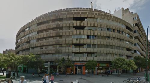 Mixed use building (Zaragoza, Spain)